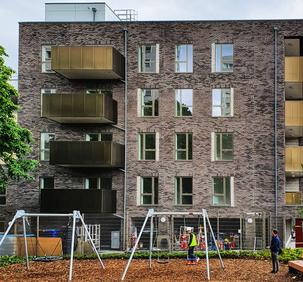 Alma Court external play space